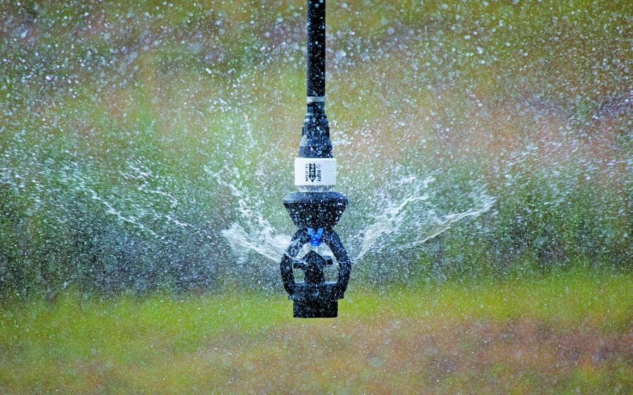 xi-wob-sprinkler-water-application.jpg